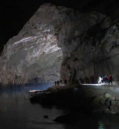 Raziskovanje Planinske jameExploring Planina cave