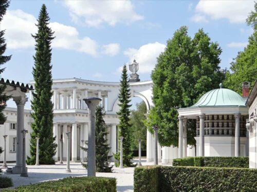 Žale: Plečnikova brezčasna mojstrovinaŽale cemetery: timeless masterpiece of architect Plečnik